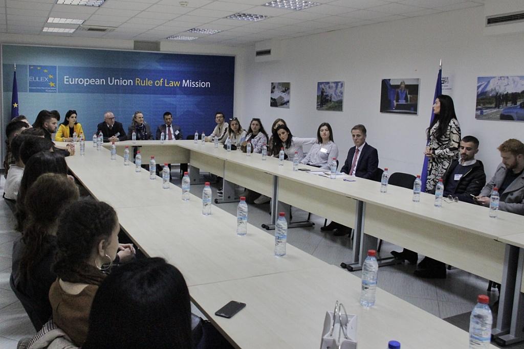 Studentë nga Peja e vizituan EULEX-in